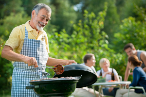 Elderly Care Cordova TN - Celebrate National Picnic Month with Elderly Relatives